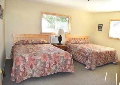 Five Bedroom Cabin Bedrooms Canary Beach Resort MN