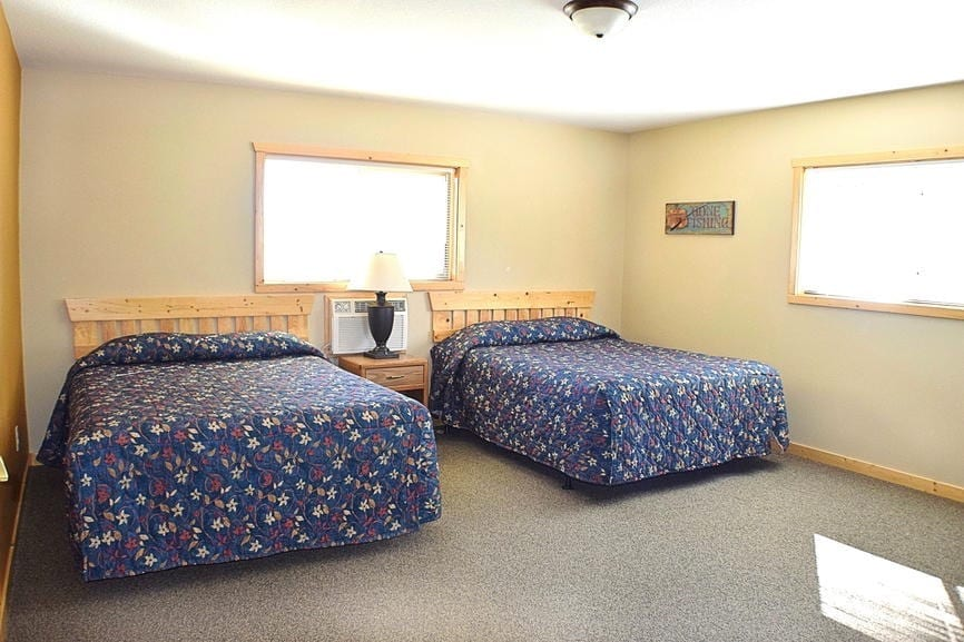 5 Bedroom Cabin Bedrooms Canary Beach Resort MN