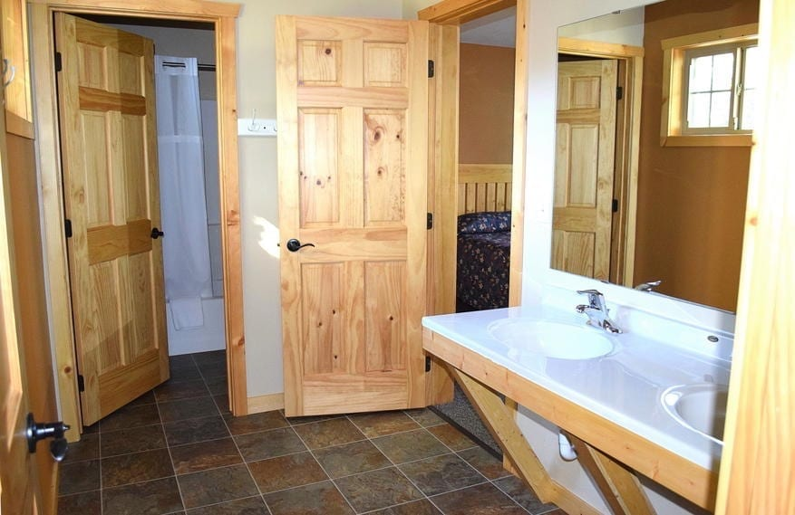 Five Bedroom Bathroom Canary Beach Resort MN