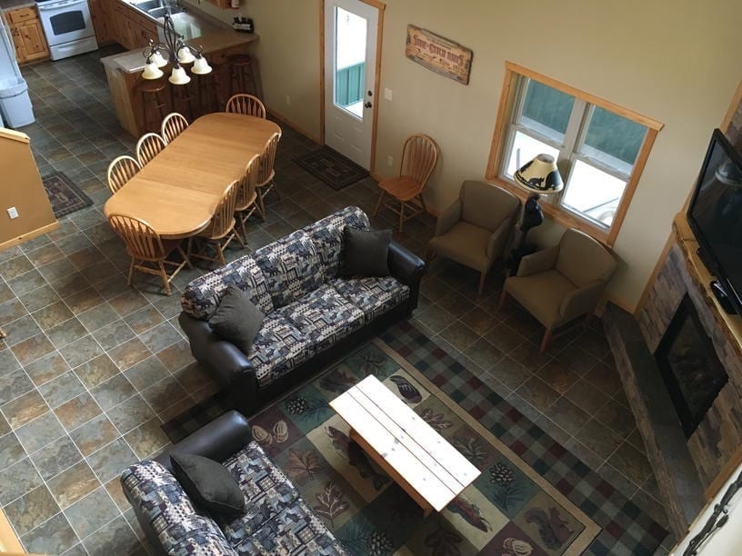 Five Bedroom Cabin Family Room Canary Beach Resort MN