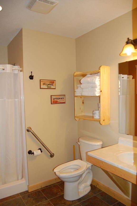 Three Bedroom Cabin Bath Canary Beach Resort Minnesota
