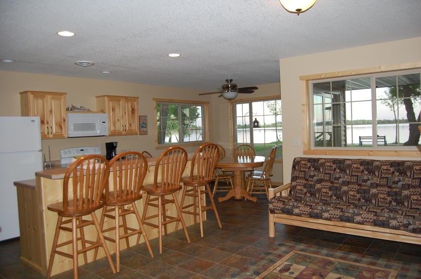 Three Bedroom Cabin Family Room Canary Beach Resort MN