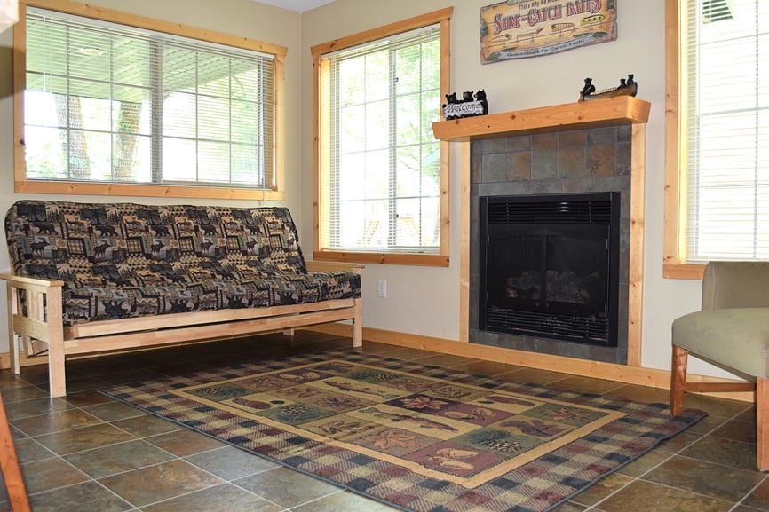 Three Bedroom Cabin Fireplace Canary Beach Resort MN