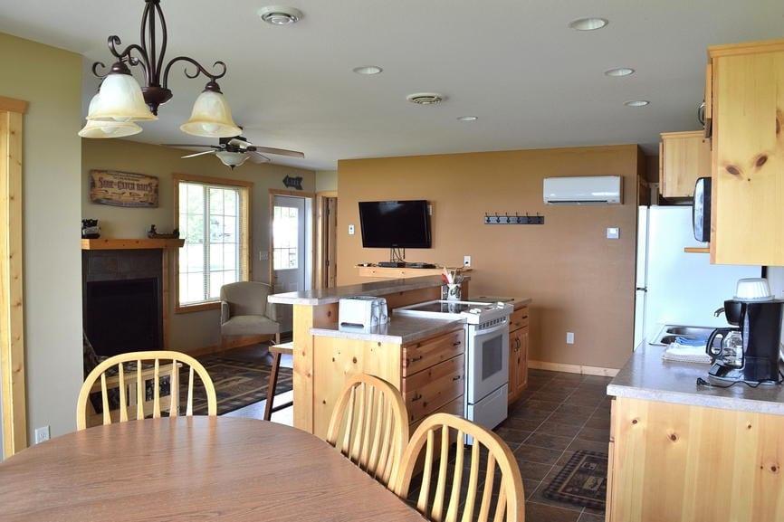 Three Bedroom Cabin Kitchen Canary Beach Resort Minnesota