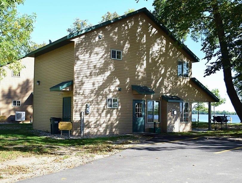Three Bedroom Cabin Rental Alexandria Minnesota