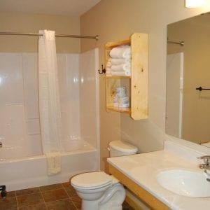 Two Bedroom Cabin Bath Canary Beach Resort MN