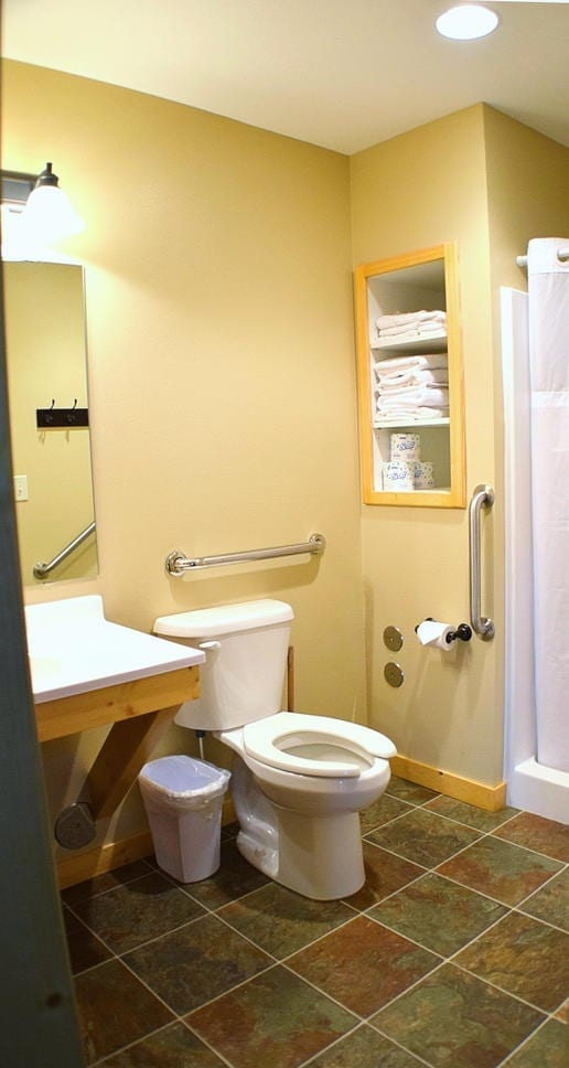 Two Bedroom Cabin Bath Canary Beach Resort Minnesota