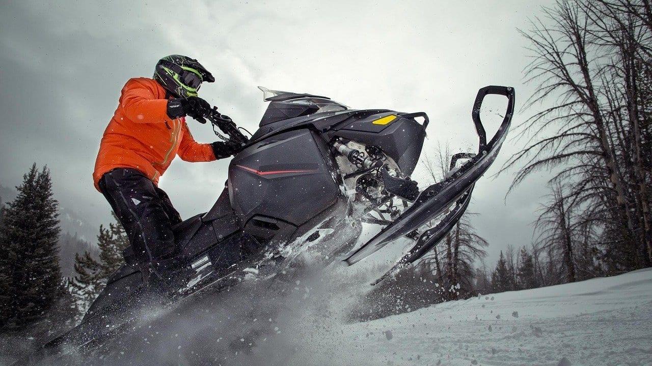 snowmobile 3031275 1280